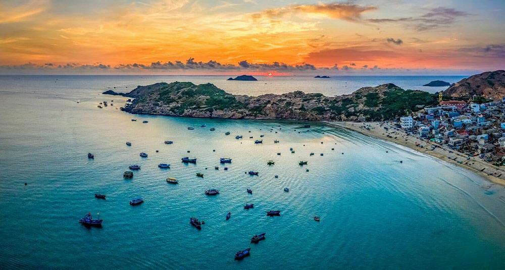 Quy Nhơn là điểm đến du lịch mới nổi thu hút khách du lịch trong nước và quốc tế
